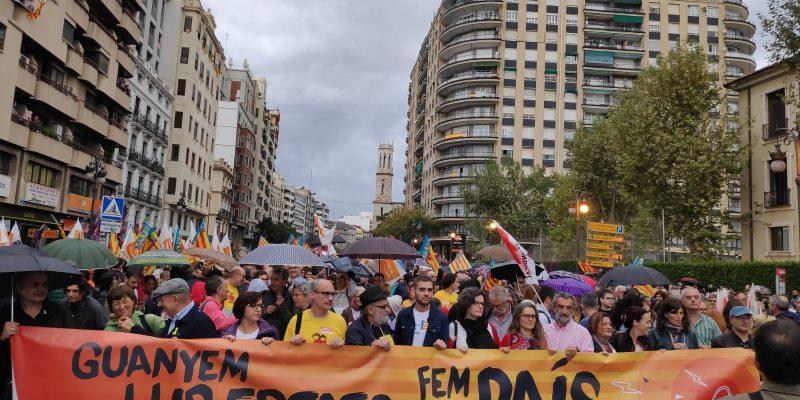 Escola Valenciana: «Hem aturat el feixisme amb els valors democràtics de la ciutadania»